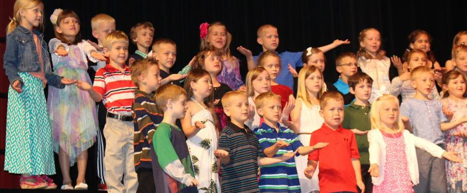 Norris Elementary recognizes 157 kindergartners at annual program
