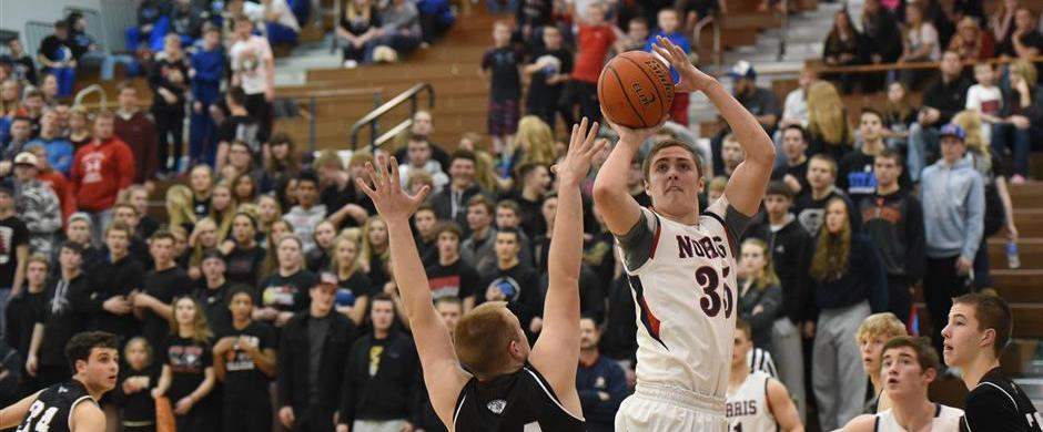 Titans advance to district finals with victory over Waverly