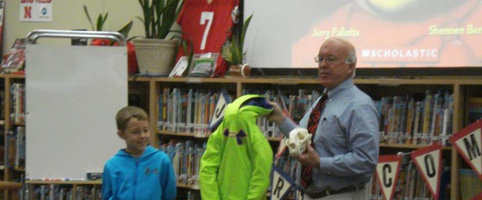 Award-winning author Jerry Pallotta visits Norris Elementary and Intermediate Schools