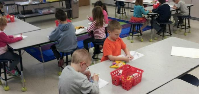 Kindergartners study architecture in art