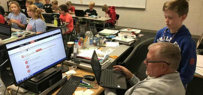 Norris Middle Students utilizing online tools as a part of new Envision math program.